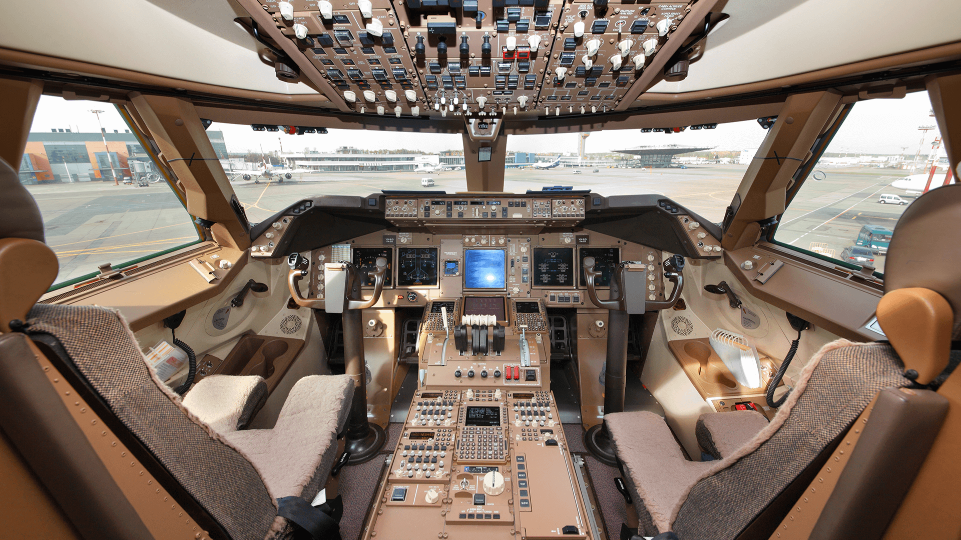 Boeing 747 - Cockpit of a Boeing 747